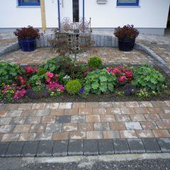 Pflaster und Garten, Aschau