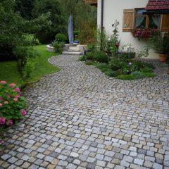 Granitpflaster, Garten, Natursteinmauer in Aschau